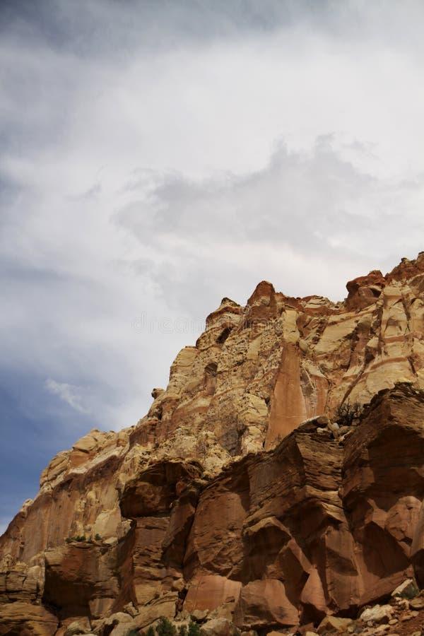 przeciw skały niebu obraz royalty free