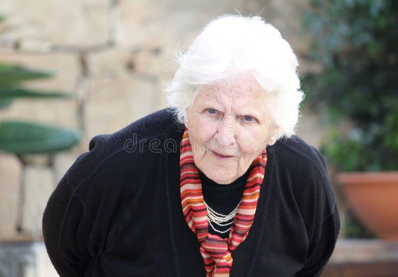 przeczucie tylna stara kobieta obrazy stock