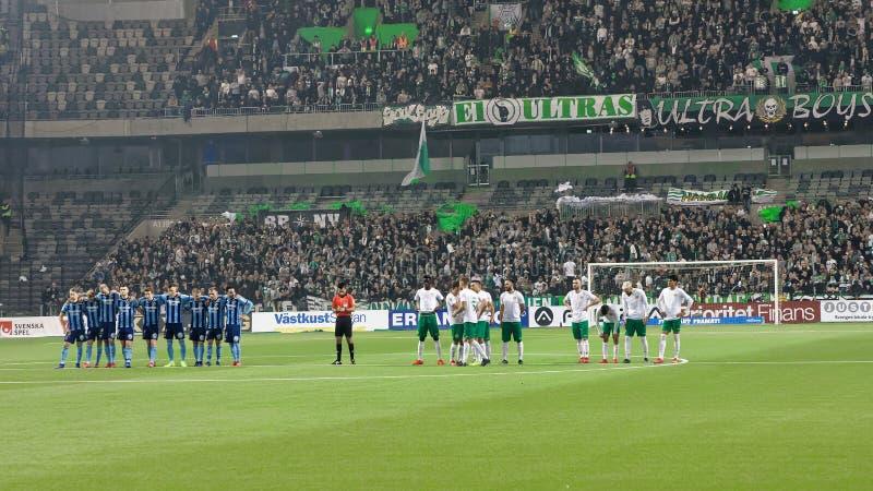 Przed kary strzelaniną przy Szwedzkiej piłki nożnej filiżanki kwartalnymi finałami między Djurgarden vs Hammarby obraz royalty free