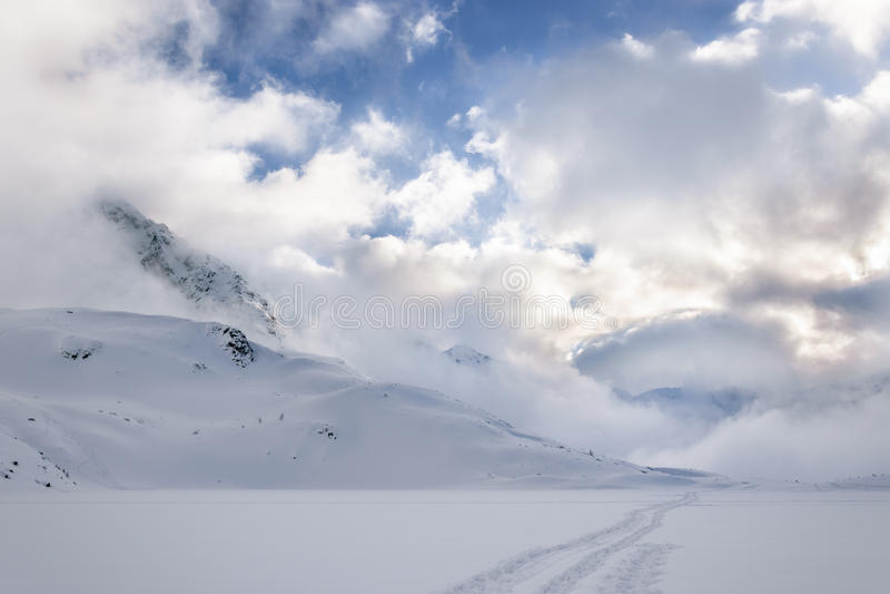 Przedni Staw, озеро в зиме стоковое фото