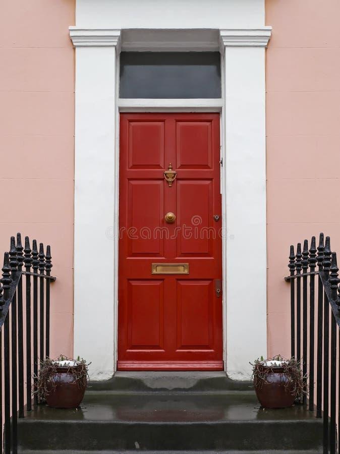 przednia czerwone drzwi fotografia stock