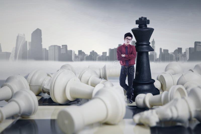 Przedsiębiorca Wygrywa Szachową grę obraz royalty free