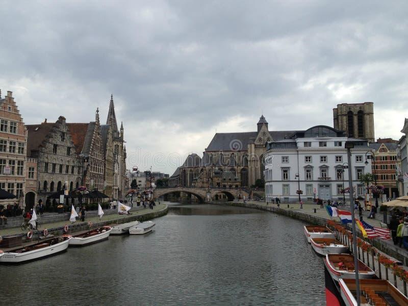 Przegapiać rzekę w Ghent, Belgia obrazy stock