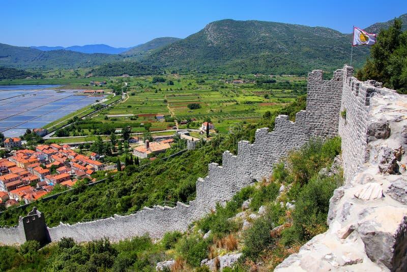Przegląda pof Ston miasteczko i swój defensywne ściany, Peljesac półwysep, obrazy royalty free