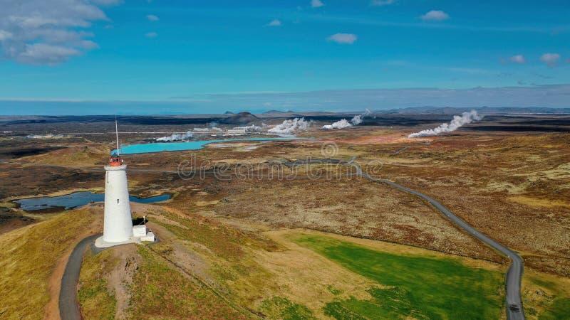 Przegląda z góry na kolorowym dolinnym geotermicznym Gunnuhver zdjęcia royalty free