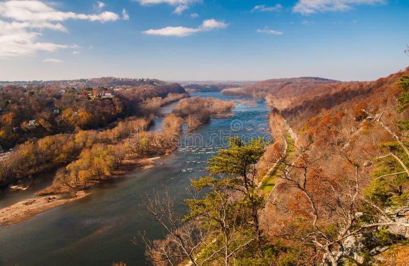 Przegląda zachód w górę Potomac rzeki od Maryland wzrostów zdjęcie royalty free