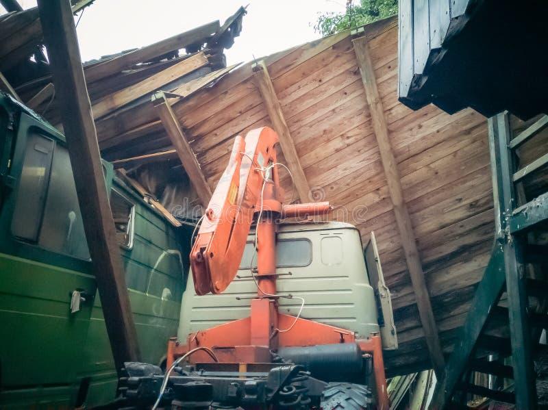 Przegranego miejsca stary budynek przed gniciem zdjęcia royalty free