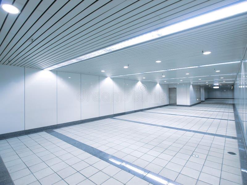 Download Przejścia metro obraz stock. Obraz złożonej z podłoga - 13329435