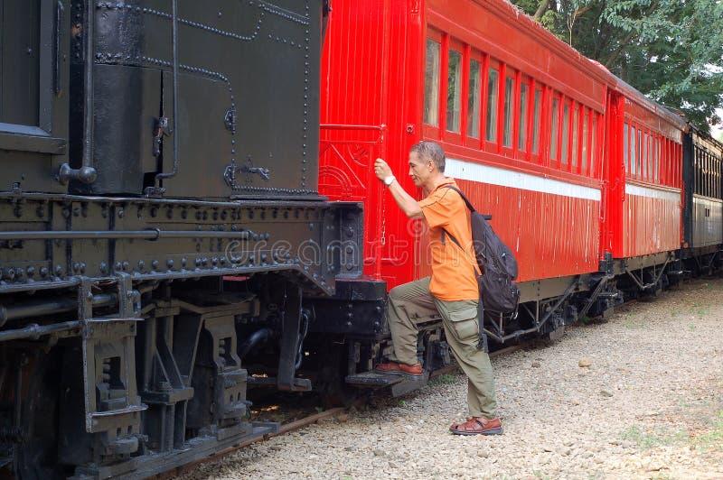 przejażdżki zwiedzający turysty pociąg zdjęcie stock
