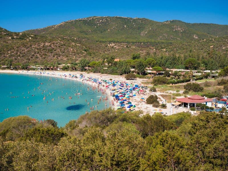 Przejrzysty i turkusowy morze w Cala Sinzias, Villasimius zdjęcia stock