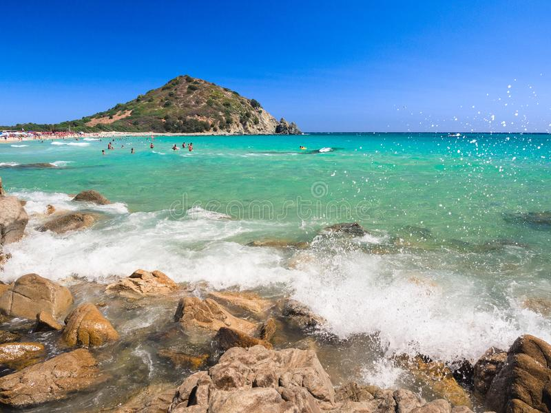 Przejrzysty i turkusowy morze w Cala Sinzias, Villasimius zdjęcia royalty free