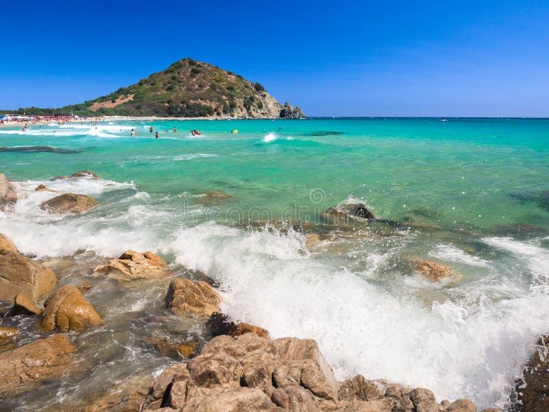 Przejrzysty i turkusowy morze w Cala Sinzias, Villasimius obrazy royalty free