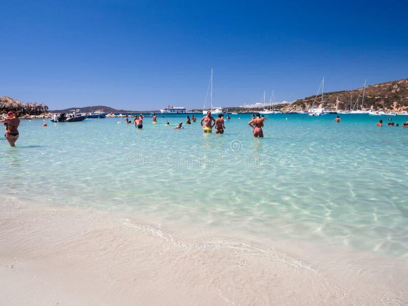 Przejrzysty i turkusowy morze w Punta Molentis, Villasimius sa zdjęcie stock
