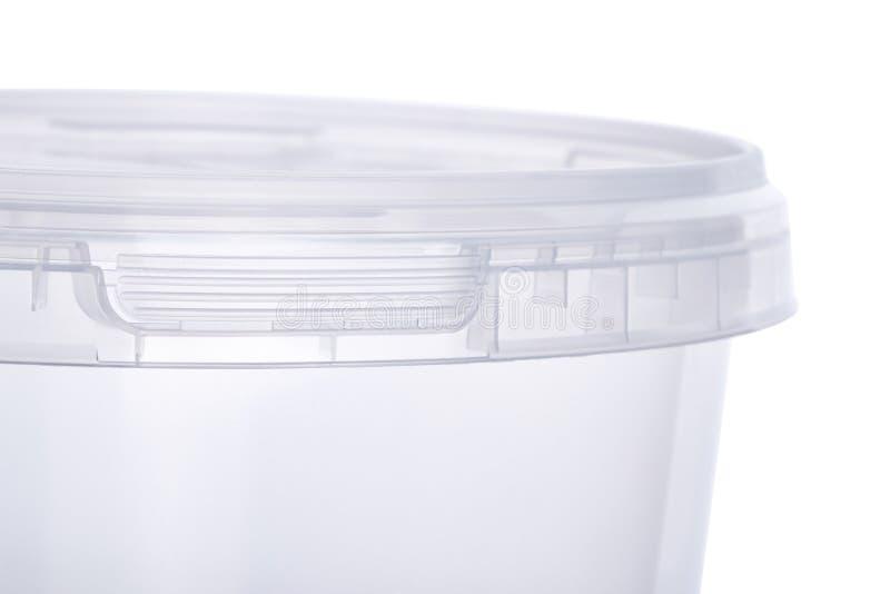 Przejrzysty owalny plastikowy wiadro z przejrzystym deklem, plastikowi zbiorniki na białym tle, karmowy plastikowy pudełko odizol zdjęcia stock