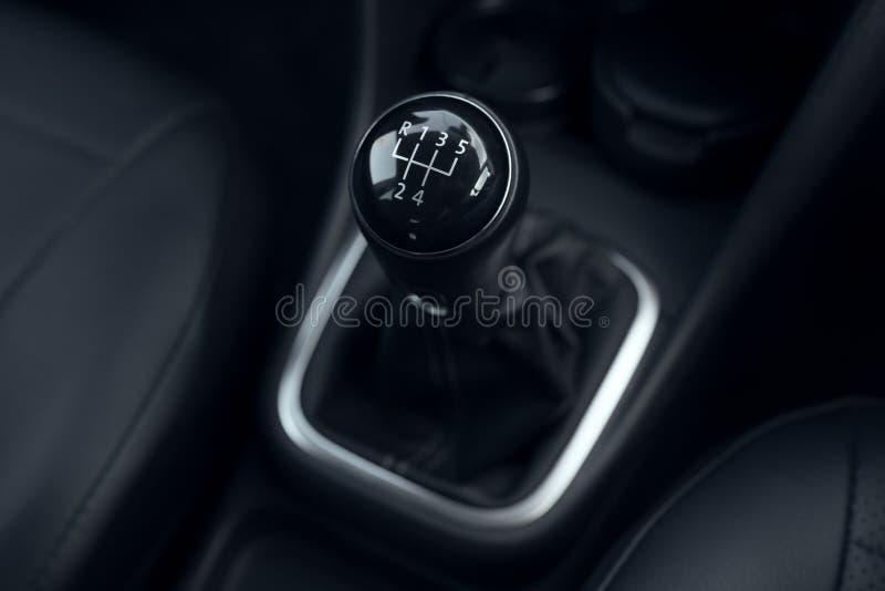 Przekładni dźwigni ręcznego przekazu samochód fotografia stock