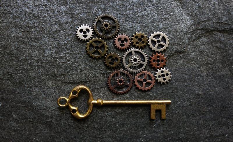 Przekładnie i klucz zdjęcie royalty free