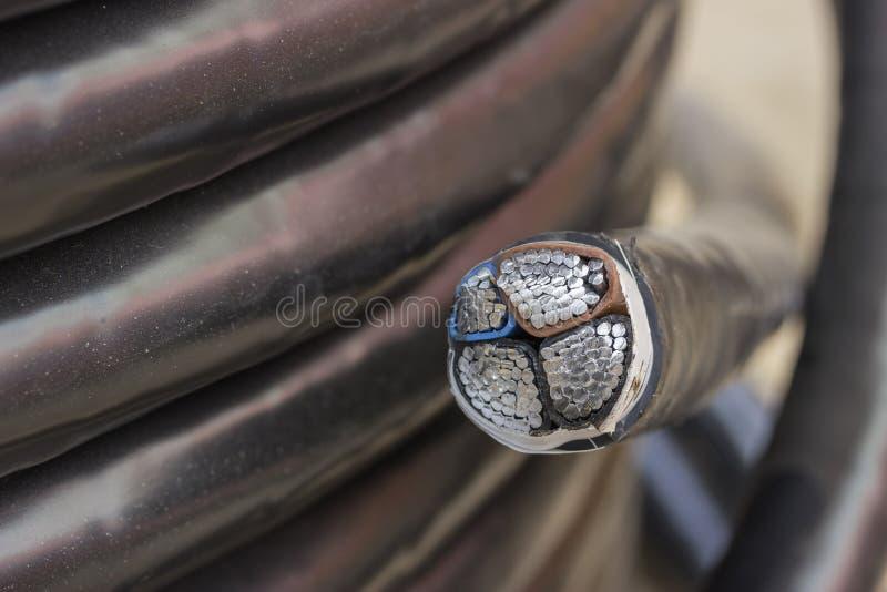 Przekrój poprzeczny elektryczny czarny przemysłowy metro kabel 2 zdjęcia royalty free