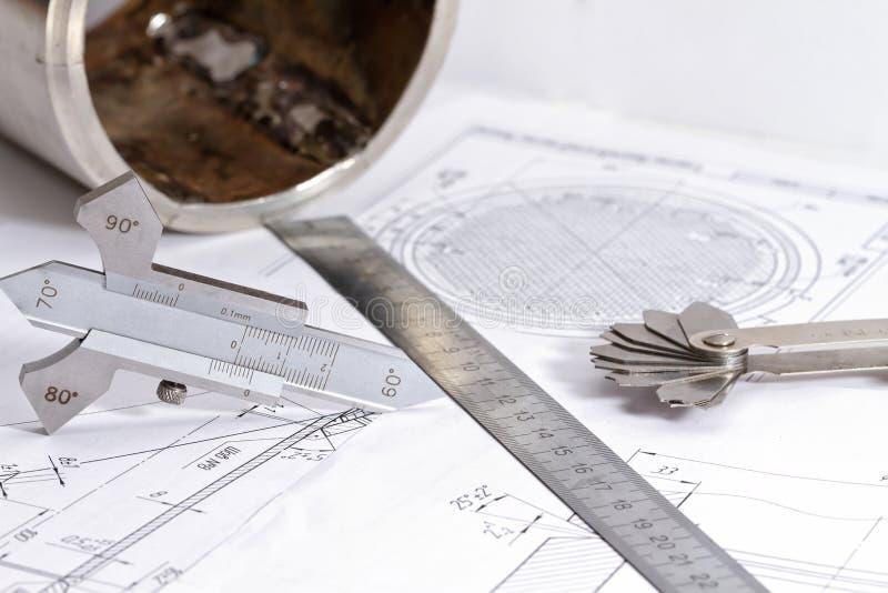 Przemiana od stali nierdzewnej i narzędzi dla projekta i measuri fotografia stock