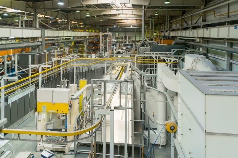 Przemysłowa linia suchy obraz metali produkty Zasięrzutny konwejeru system obraz royalty free