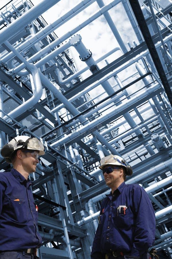 Przemysłów rurociąg pracowników budowa i zdjęcia royalty free