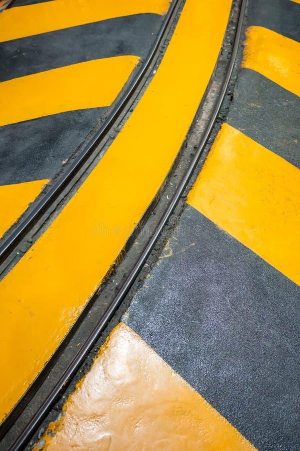 Przemysłowa pasiasta drogi lub kroka ostrzegawcza kolej fotografia stock