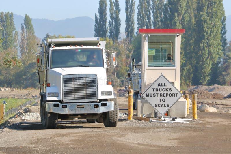 Przemysłowej ciężarówki skala stacja fotografia royalty free
