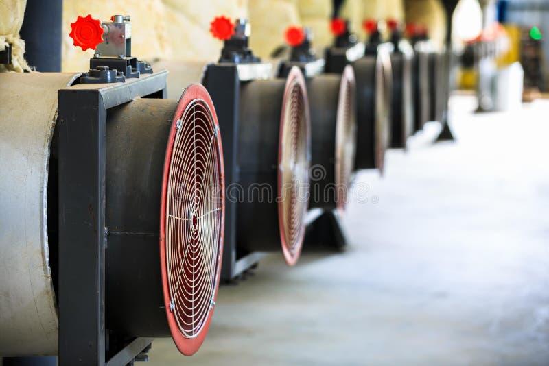 Przemysłowy dmuchawy fan dla wentylaci powietrza i chłodniczej temperatury zdjęcia royalty free
