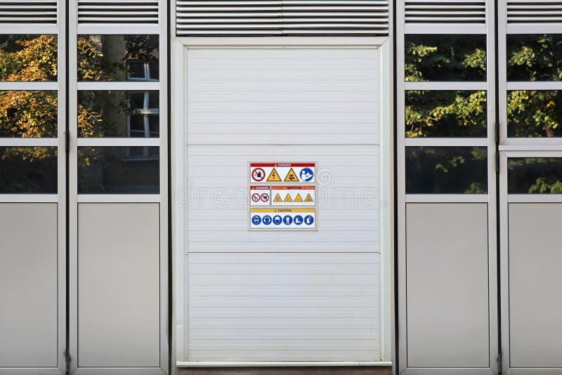 Przemysłowy drzwi zdjęcia stock