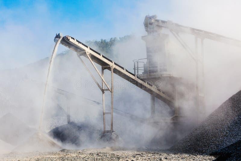 Przemysłowy gniotownik - rockowa kamienna miażdżąca maszyna zdjęcia stock
