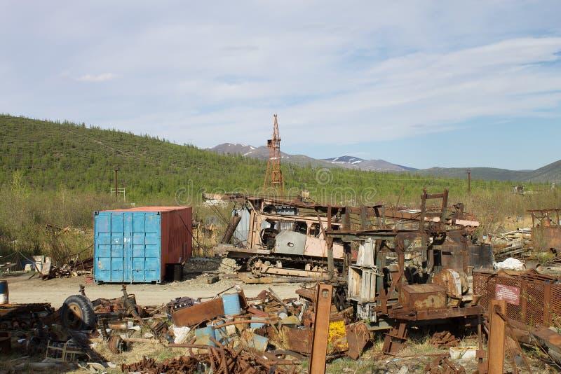 Przemysłowy jałowy usyp w Bilibino Chukotka Rosja fotografia stock