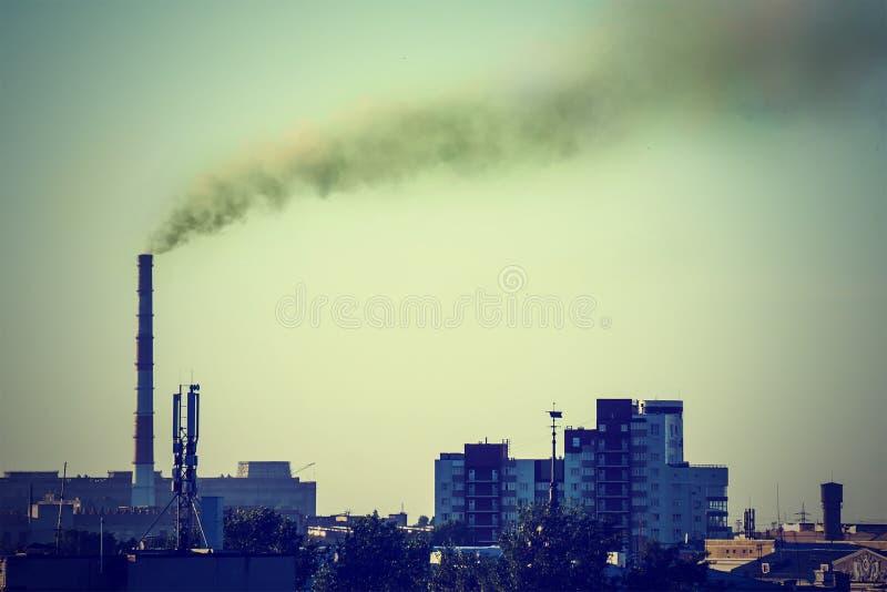 Przemysłowy krajobraz z termiczną władzą zdjęcie royalty free