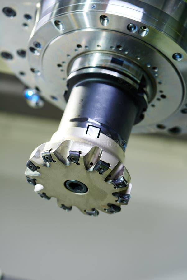 Przemysłowy mielenia maszynowy narzędzie z młynem fotografia royalty free