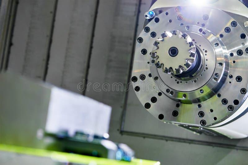 Przemysłowy mielenia maszynowy narzędzie z młynem obraz stock