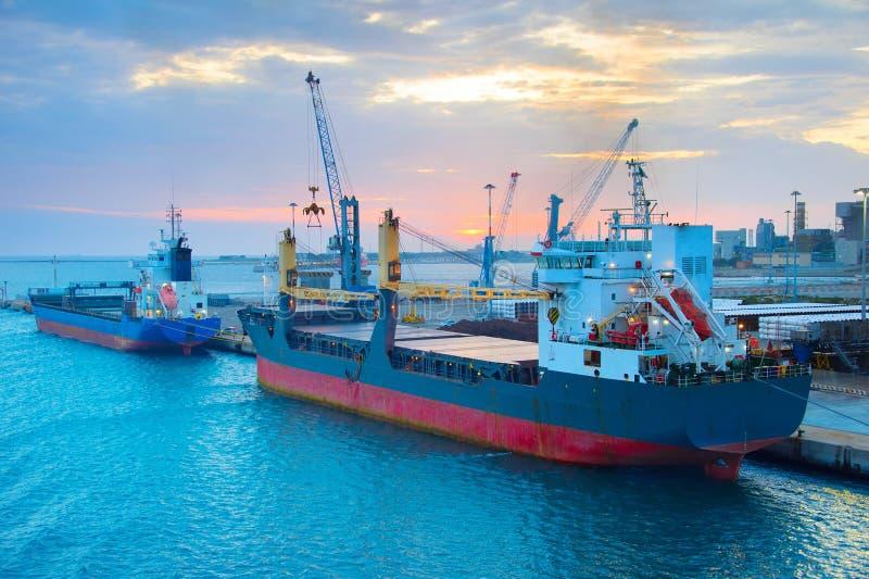 Przemysłowy port, Włochy obrazy royalty free