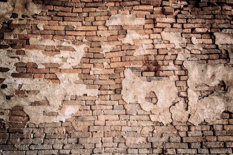 Przemysłowy tło, pustego grunge miastowa ulica z magazynowym ściana z cegieł zdjęcie royalty free