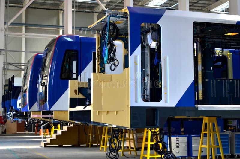 Przemysłowy warsztat dla produkcji Europejska wysoka prędkość trenuje zdjęcia royalty free