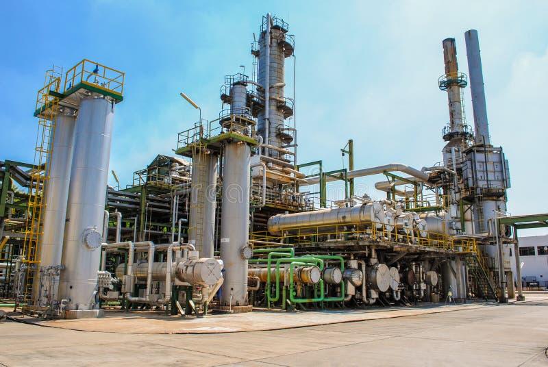 Przemysłowy widok przy rafinerią ropy naftowej zdjęcia royalty free