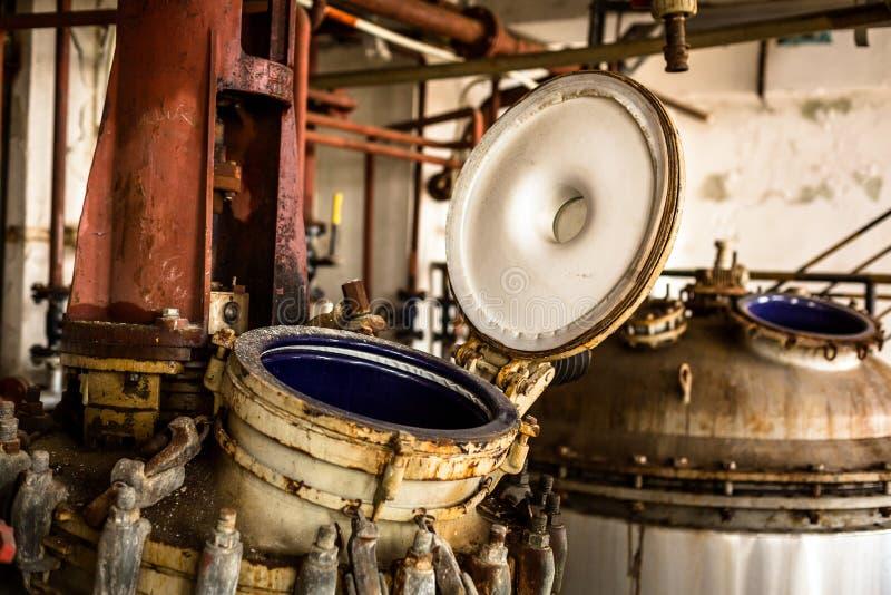 Przemysłowy wnętrze z składowym zbiornikiem zdjęcia royalty free