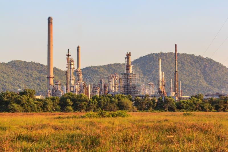 przemysłu nafciana zakład petrochemiczny rafineria zdjęcie stock