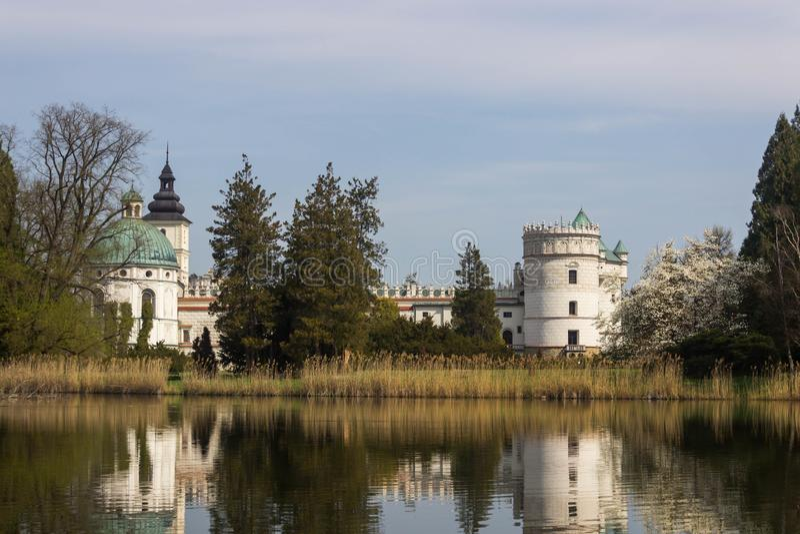 Przemysl, Polônia, - 14 de abril de 2019 Polonês do castelo de Krasiczyn: Zamek w Krasiczynie é uma estrutura do renascimento em  imagem de stock royalty free