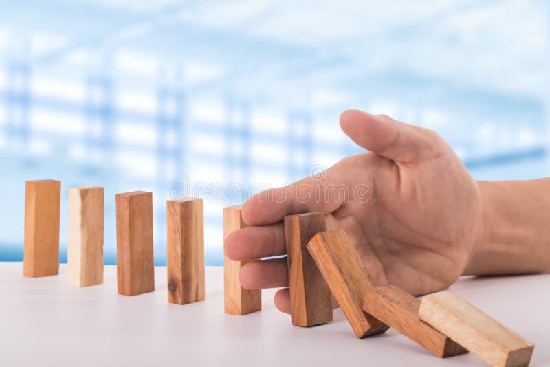 Przerwy domina ryzyka skutek obraz stock