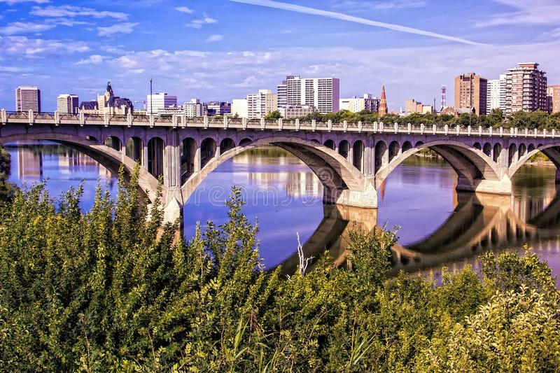 przerzuca most miasto obraz royalty free