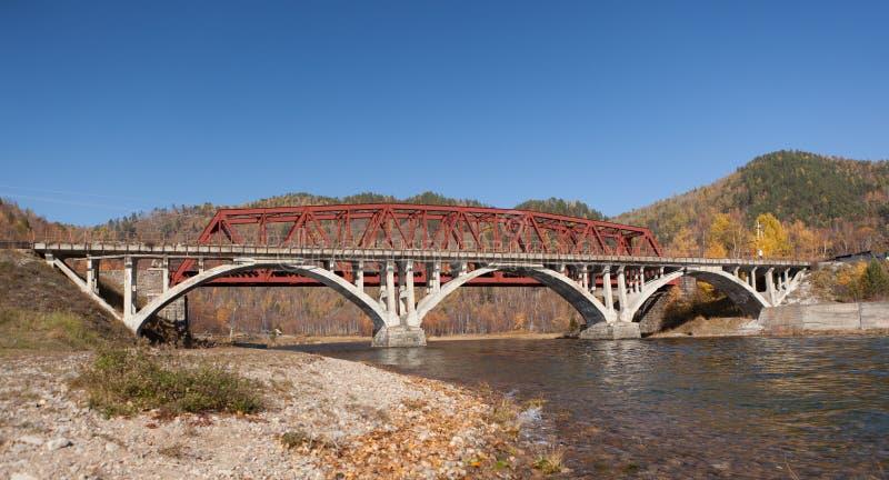 przerzuca most starą linię kolejową fotografia stock