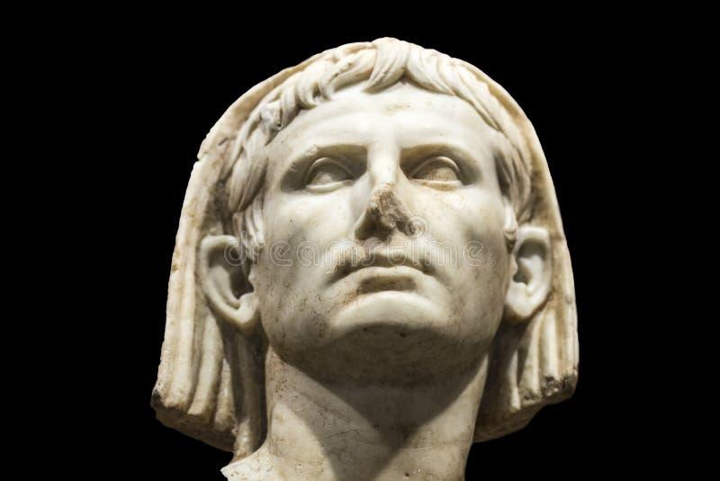 Przesłaniający portret Augustus przy muzeum narodowym Romańska sztuka w Merida, Hiszpania czerń odizolowywający nad kijem zdjęcia royalty free