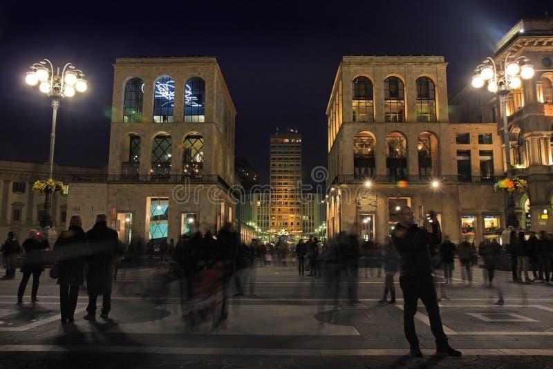 Przesławny przyjęcie, ` Duomo ` kwadrat w Mediolan zdjęcia stock