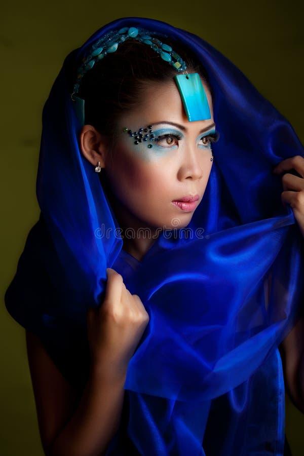 przesłony azjatykcia błękitny kobieta zdjęcia royalty free