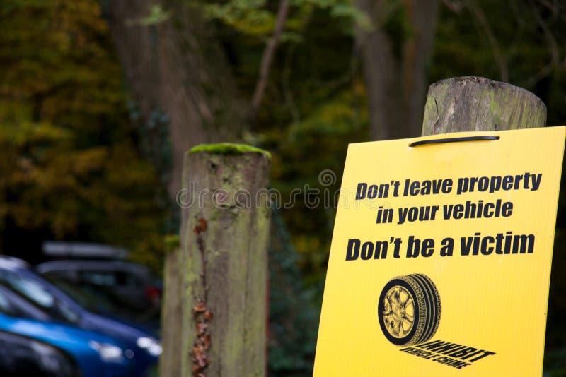 przestępstwa szyldowy pojazdu ostrzeżenie zdjęcia stock