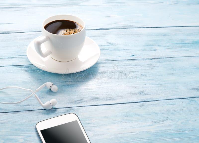 Download Przestań Tła Rogalik Filiżanki Kawy Sweet Obraz Stock - Obraz złożonej z lunch, edukacja: 57652501