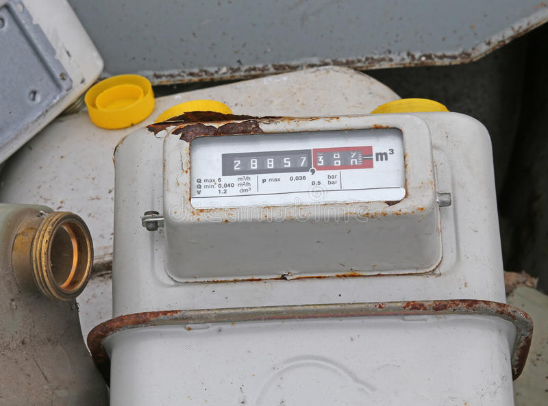 Przestarzały disused gaz sprzeciwia się w wysypisku odpad toksyczny speci zdjęcia royalty free