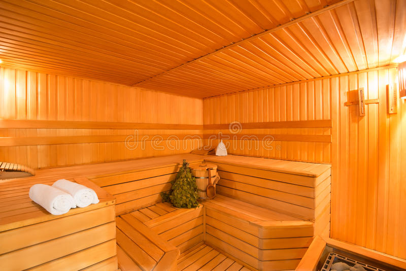 Przestronny wnętrze drewniany parowy pokój zdjęcia royalty free